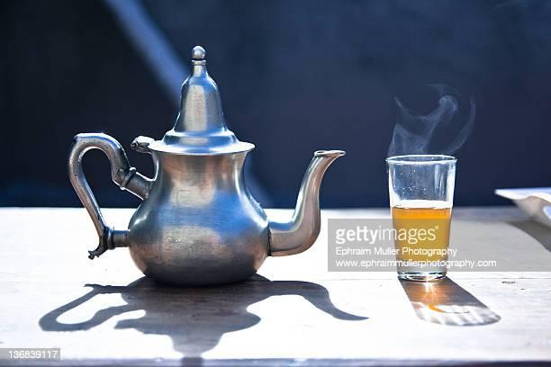 Tea pot and glass of tea