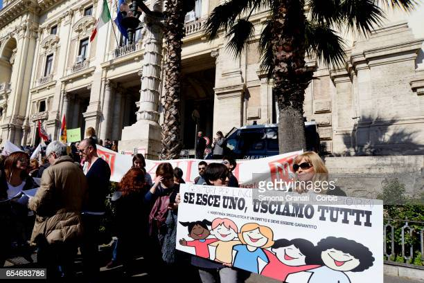 Teachers and employees of public schools protest at the Ministry of Education during the general strike of the school against the reform of the...