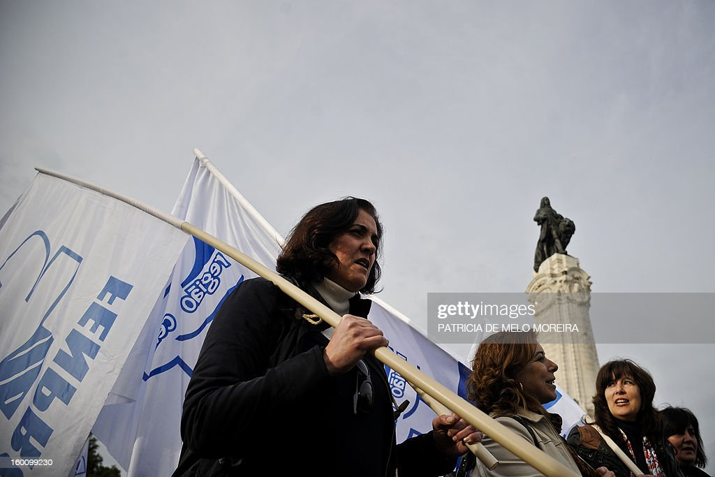 Teachers attend a demonstration organized by the Portuguese Teachers National Front Union (FENPROF) against government austerity measures in education in Lisbon, on January 26, 2013. AFP PHOTO / PATRICIA DE MELO MOREIRA