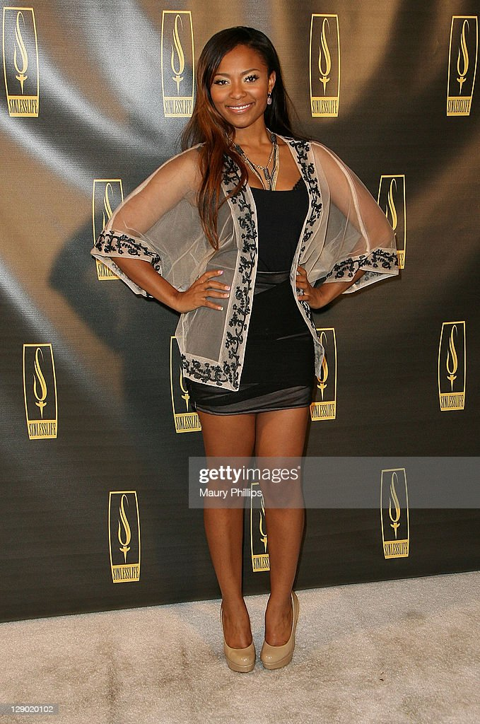 <a gi-track='captionPersonalityLinkClicked' href=/galleries/search?phrase=Teairra+Mari&family=editorial&specificpeople=857093 ng-click='$event.stopPropagation()'>Teairra Mari</a> arrives at the Sinlesslife web and jewelry collection launch party at Falcon Restaurant on October 9, 2011 in Hollywood, California.