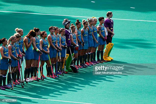 Team Australia line up prior to the Fintro Hockey World League SemiFinal match between Netherlands and Australia held at KHC Dragons Gemeentepark...