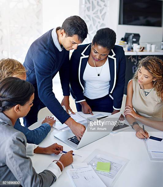 Mitarbeiter UND brainstorming