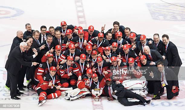Team Canada poses for the team photo after a 54 win over Russia to capture the Gold medal game of the 2015 IIHF World Junior Championship on January...