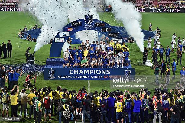 Team Cannavaro and Team Figo poses on stage after the Global Legends Series match at the SCG Stadium on December 5 2014 in Bangkok Thailand