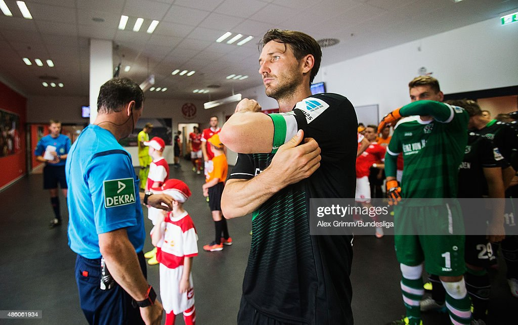 Team captain Christian Schulz of Hannover prepares oin the tunnel prior to the Bundesliga match between 1 FSV Mainz 05 and Hannover 96 at Coface...
