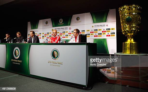 Team captain Sebastian Kehl of Borussia Dortmund and his headcoach Juergen Klopp headcoach Pep Guardiola of FC Bayern Muenchen and his team captain...