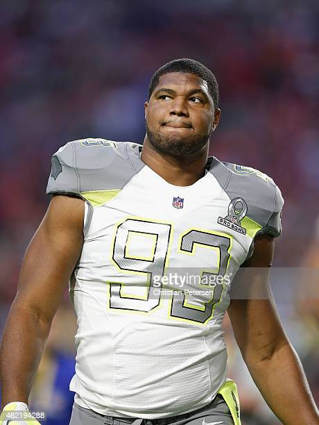 Team Carter defensive end Calais Campbell of the Arizona Cardinals walks off the field before the 2015 Pro Bowl at University of Phoenix Stadium on...