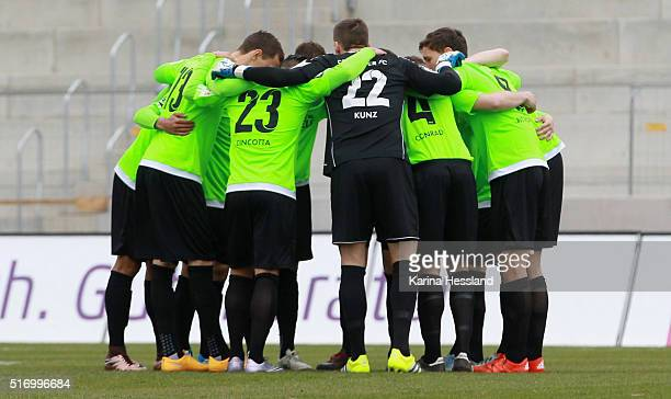 Team circle of Chemnitz during the match between FC Rot Weiss Erfurt and Chemnitzer FC at Steigerwald Stadion on March 20 2016 in Erfurt Germany