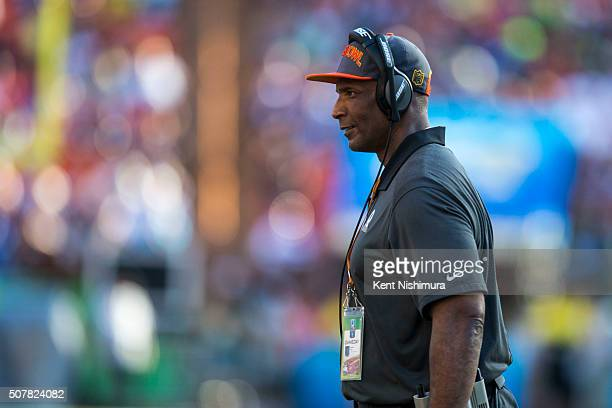 Team Irvin acting head coach Winston Moss of the Green Bay Packers walks back to the sidelines during the second half of the 2016 NFL Pro Bowl at...