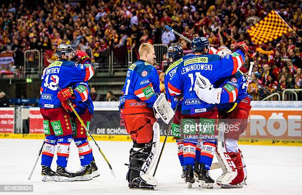 Team members of Dusseldorf celebrate the victory after the DEL match between Duesseldorfer EG and Koelner Haie at ISS Dome on November 20 2016 in...
