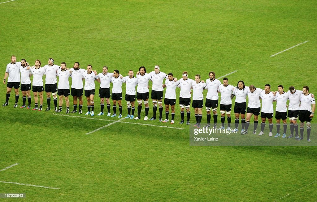 Team Neaw Zealand before the international test match between France and the New Zealand All Blacks at Stade de France on November 9, 2013 in Paris, France.