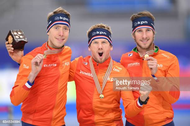 Team Netherlands celebrate with their medals for the men team pursuit during the ISU World Single Distances Speed Skating Championships Gangneung...