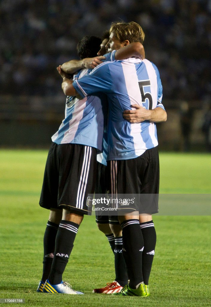Team of Argentina celebrate during a friendly soccer match between Argentina and Guatemala at Mateo Flores stadium on June 14 in Guatemala City, Guatemala.