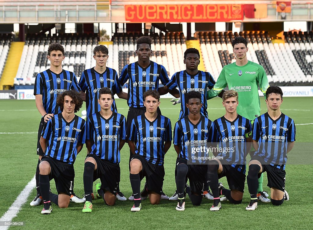 Team of Atalanta Bergamasca Calcio prior Finale U15 Professionisti between AS Roma and Atalanta Bergamasca Calcio at Dino Manuzzi Stadium on June 28, 2016 in Cesena, Italy.
