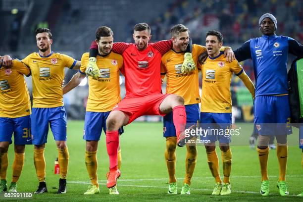 Team of Braunschweig celebrates after the Second Bundesliga match between Fortuna Duesseldorf and Eintracht Braunschweig at EspritArena on March 13...