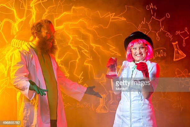 Équipe de chercheurs fou