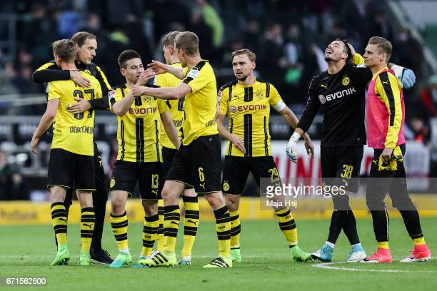 Team of Dortmund celebrates after the Bundesliga match between Borussia Moenchengladbach and Borussia Dortmund at BorussiaPark on April 22 2017 in...
