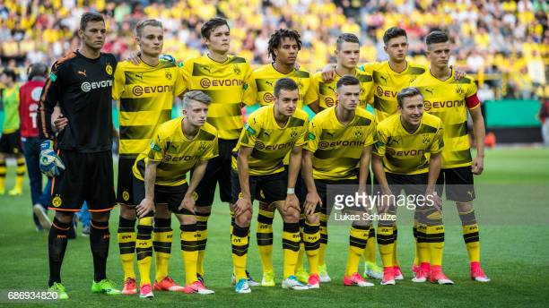 Team of Dortmund line up prior to the U19 German Championship Final between Borussia Dortmund and FC Bayern Muenchen on May 22 2017 in Dortmund...