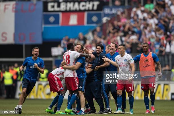 Team of Hamburg celebrates after the Bundesliga match between Hamburger SV and VfL Wolfsburg at Volksparkstadion on May 20 2017 in Hamburg Germany