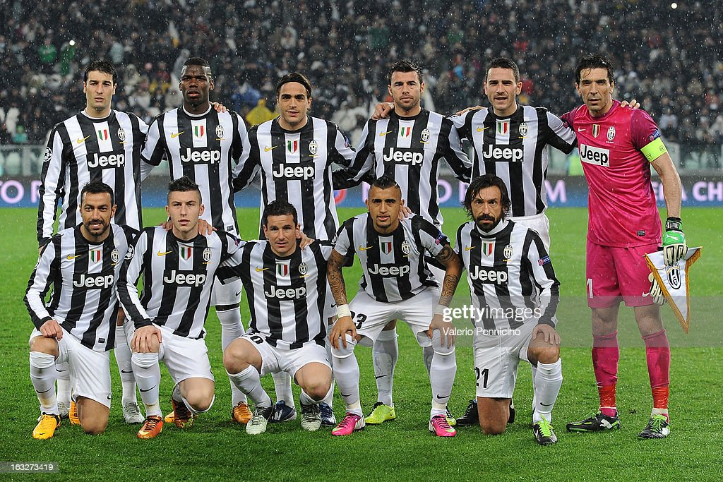 Team of juventus line up during the uefa champions league round of 16