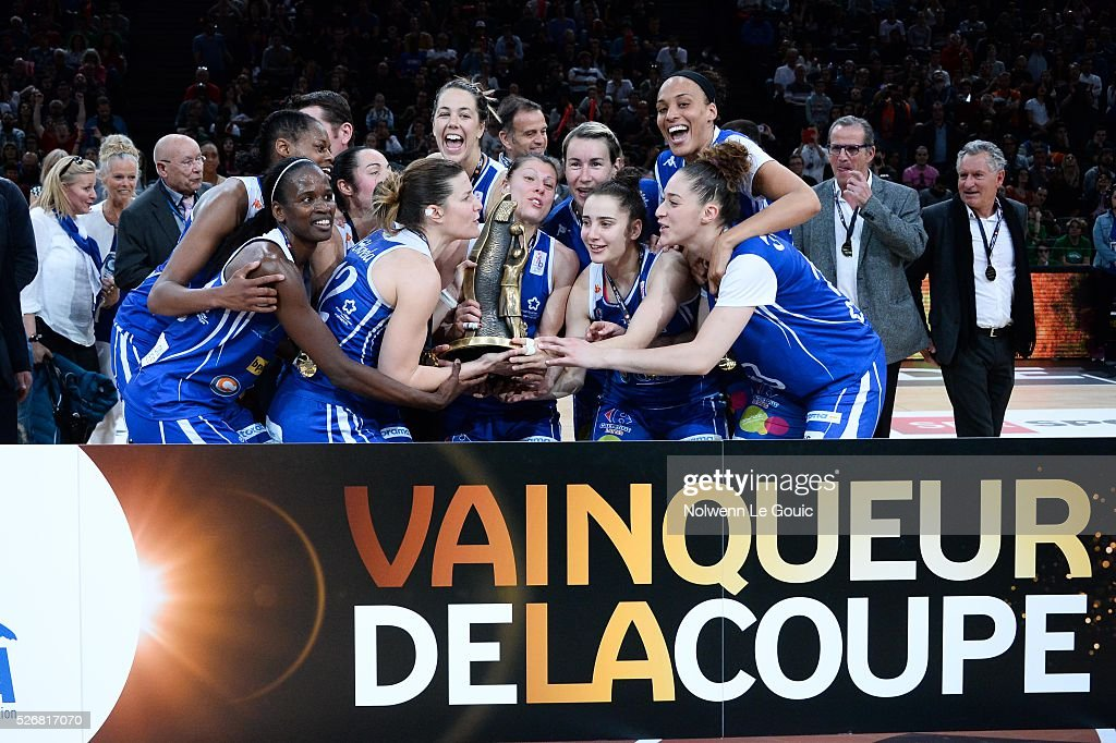 Team of Lattes Montpellier celebrates victory during the French Cup final match between Bourges and Lattes Montpellier at Hotel Accor Arena Bercy on 1st May, 2016 in Paris, France.