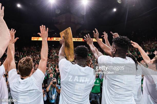 Team of Nanterre celebrates the victory with fans during the Final of the French Cup between Le Mans and JSF Nanterre at AccorHotels Arena on April...