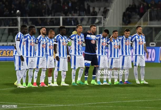 Team of Pescara Calcio prior the Serie A match between Pescara Calcio and AS Roma at Adriatico Stadium on April 24 2017 in Pescara Italy