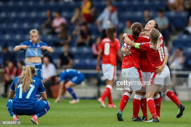 Team of Switzerland celebrates after the UEFA Women's Euro 2017 Group C match between Iceland and Switzerland at Stadion De Vijverberg on July 22...