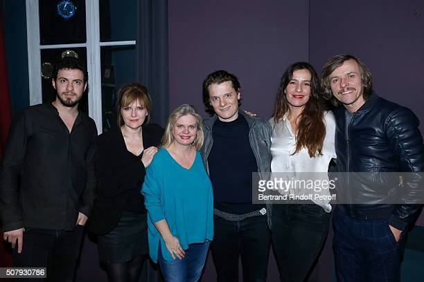 Team of the Theater Play 'Je vous ecoute' Actors David Zeboulon Isabelle Habiague Stage Director Isabelle Nanty Actors Benabar Zoe Felix and Pascal...
