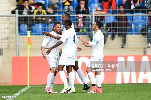 Team of Toulose celebrates the first Goal by Andy Delort during the French Ligue 1 match between Montpellier and Toulouse at Stade de la Mosson on...