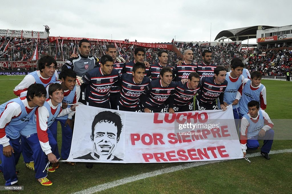 Team of Union de Santa Fe pose for a photo prior a match between Union de Santa Fe and River Plate as part of the Torneo Final 2013 at 15 de Abril stadiun on May 19, 2013 in Santa Fe, Argentina.