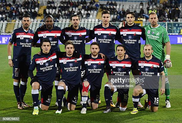 Team of Vicenza Calcio prior the Serie B match between Pescara Calcio and Vicenza Calcio at Adriatico Stadium on February 12 2016 in Pescara Italy