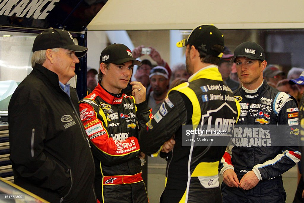 Team owner <a gi-track='captionPersonalityLinkClicked' href=/galleries/search?phrase=Rick+Hendrick&family=editorial&specificpeople=596436 ng-click='$event.stopPropagation()'>Rick Hendrick</a> talks with <a gi-track='captionPersonalityLinkClicked' href=/galleries/search?phrase=Jeff+Gordon&family=editorial&specificpeople=171491 ng-click='$event.stopPropagation()'>Jeff Gordon</a>, driver of the #24 Drive To End Hunger Chevrolet, <a gi-track='captionPersonalityLinkClicked' href=/galleries/search?phrase=Jimmie+Johnson+-+Piloto+da+Nascar&family=editorial&specificpeople=171519 ng-click='$event.stopPropagation()'>Jimmie Johnson</a>, driver of the #48 Lowe's Yellow Chevrolet, and <a gi-track='captionPersonalityLinkClicked' href=/galleries/search?phrase=Kasey+Kahne&family=editorial&specificpeople=183374 ng-click='$event.stopPropagation()'>Kasey Kahne</a>, driver of the #5 Farmers Insurance Chevrolet, during practice for the NASCAR Sprint Cup Series Sprint Unlimited at Daytona International Speedway on February 15, 2013 in Daytona Beach, Florida.