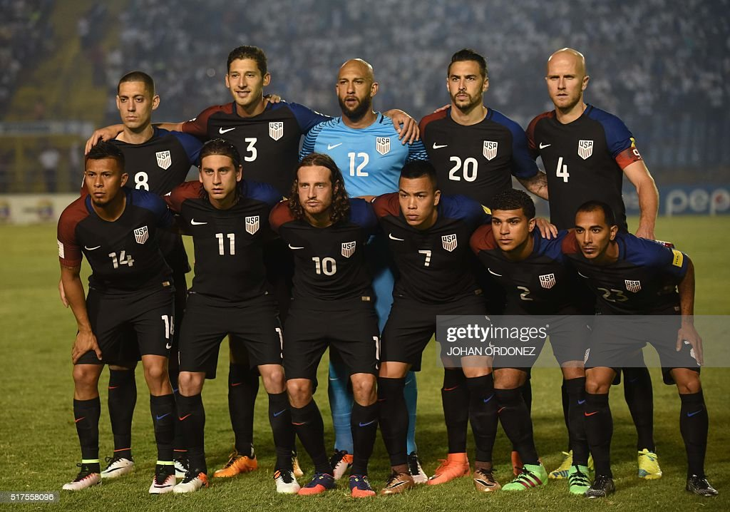 USA team poses before the match against Guatemala in Guatemala City on March 25 2016 ahead of North and Central America qualifiers round for FIFA...