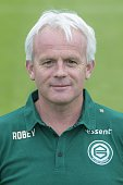 team presentation Reinoud Brouwer Orthopedic surgeon during the team presentation of FC Groningen on July 01 2016 at the Euroborg in Groningen The...