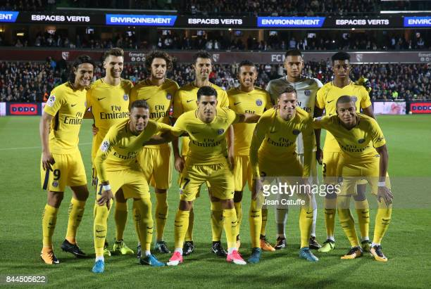 Team PSG poses during the French Ligue 1 match between FC Metz and Paris Saint Germain at Stade SaintSymphorien on September 9 2017 in Metz France