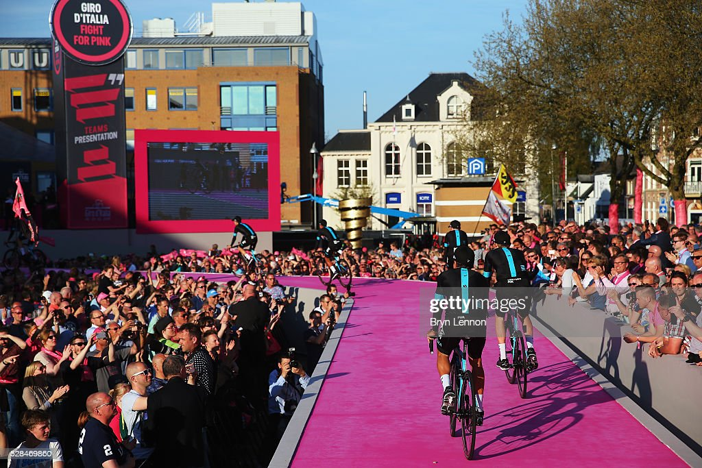 Team Sky attend the Opening Ceremony and official Team Presentation for the 2016 Giro d'Italia at the City Hall on May 05, 2016 in Apeldoorn, Netherlands.