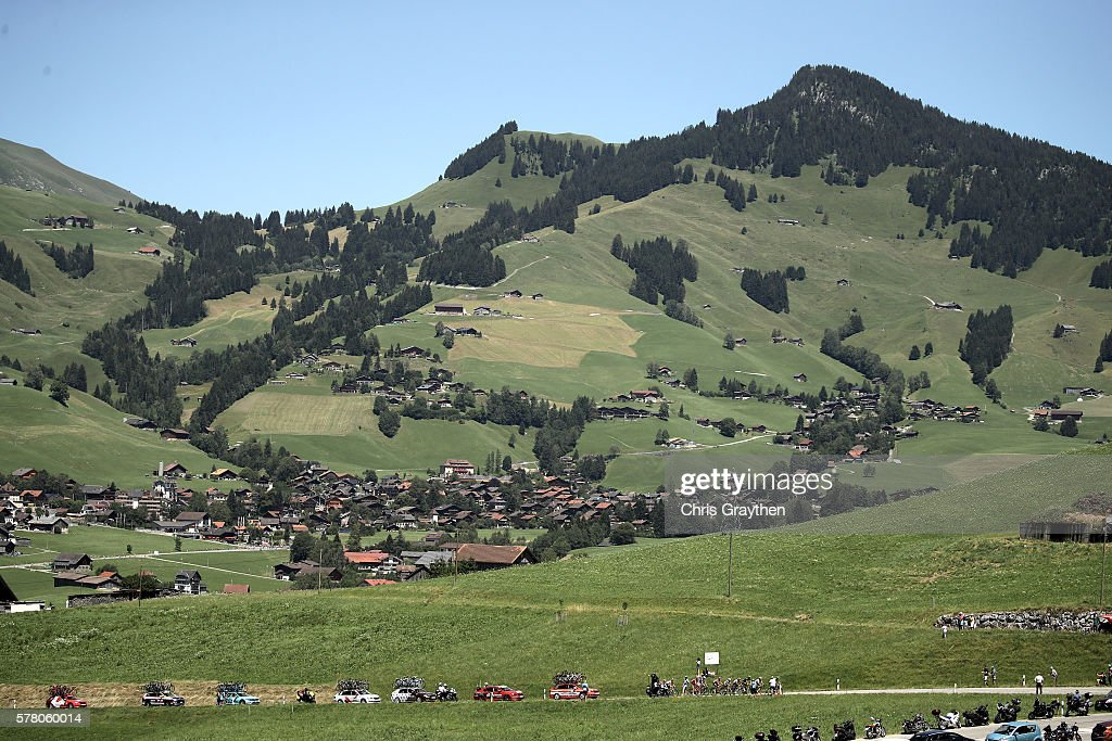 Team Sky drives the peloton during stage seventeen of the 2016 Le Tour de France, a 184.5km stage from Berne to Finhaut-Emosson on July 20, 2016 in Finhaut-Emosson, Switzerland.