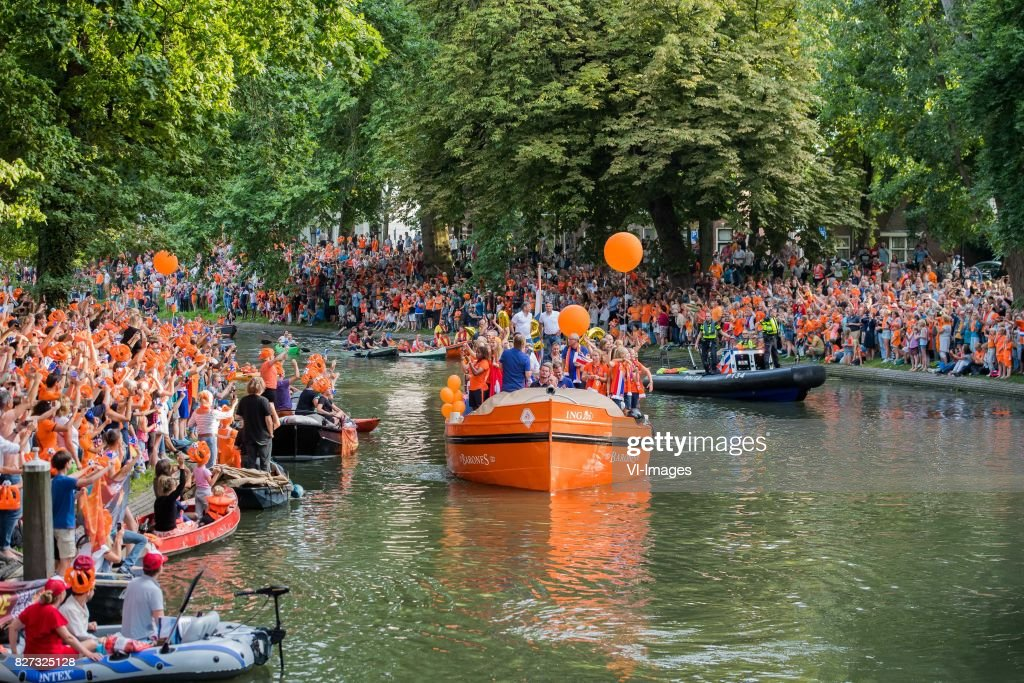 team The Netherlands during the honoring of the Netherlands women team at Park Lepelenburg on August 07, 2017 in Utrecht, the Netherlands