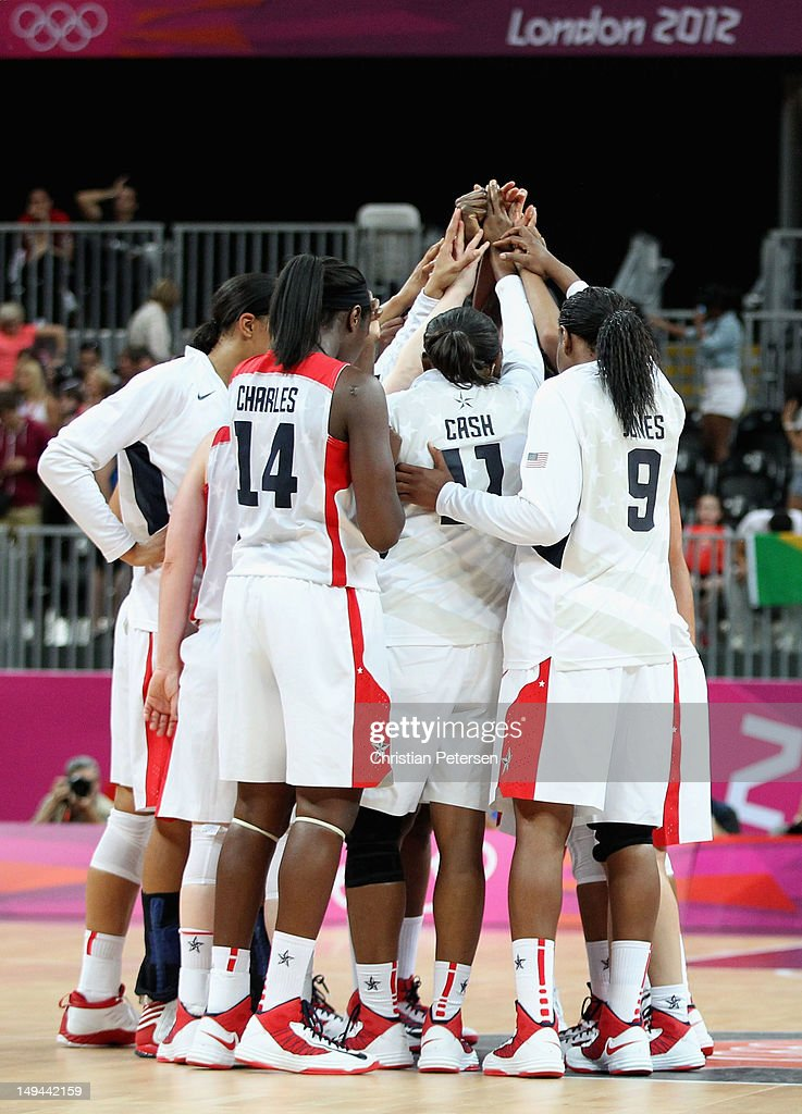 Team united states celebrates their 81 56 victory over croatia during