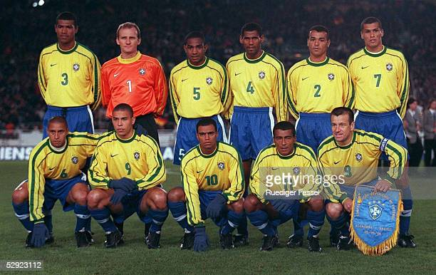 NATIONALTEAM 250398 Team/BRAZIL/BRA GRUPPE A/GROUP A obere Reihe vl Junior BAIANO TORWART Claudio TAFFAREL Cesar SAMPAIO ALDAIR CAFU RIVALDO untere...