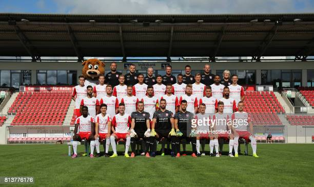 Teamphoto back row from left Mascot Hallotri Teamleader Mario Nickeleit Physiotherapist Walter Moissejenko Coach Marco Kaempfe Headcoach Rico Schmitt...