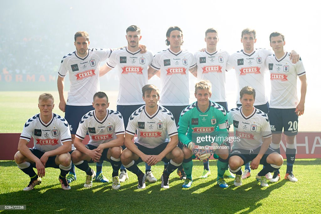 Teamphoto of AGF Arhus prior to the DBU Pokalen Cup Final match between AGF Arhus and FC Copenhagen at Telia Parken Stadium on May 05, 2016 in Copenhagen, Denmark.