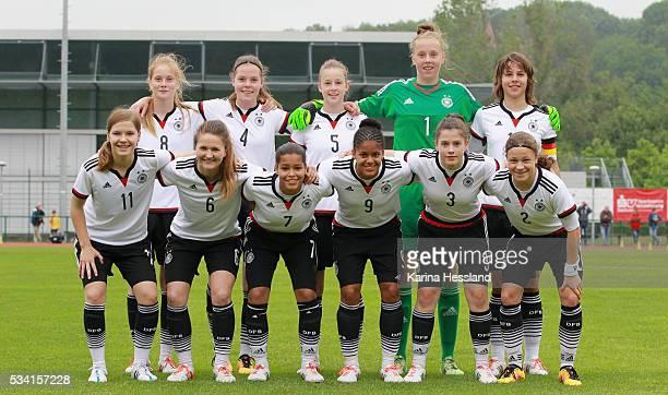 Teamphoto of Germany back row from left Sjoeke Nuesken Juliane Wirtz Anna Aehling Goalkeeper Wiebke Willebrandt Lena Sophie Oberdorf front row from...