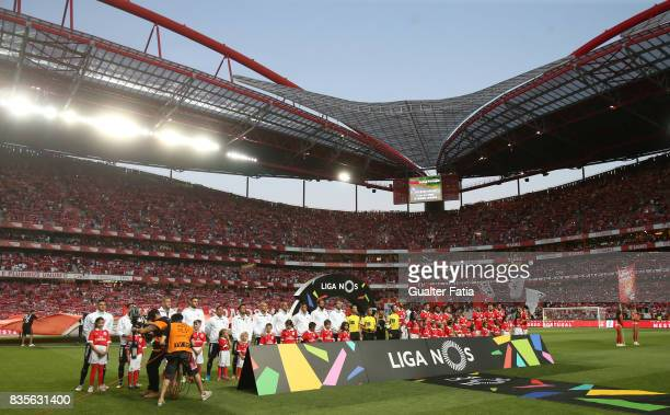 Teams lined up before the start of the Primeira Liga match between SL Benfica and CF Os Belenenses at Estadio da Luz on August 19 2017 in Lisbon...