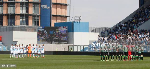 Teams observe a minutes silence for Italian cyclist Michele Scarponi prior the Serie A match between US Sassuolo and SSC Napoli at Mapei Stadium...