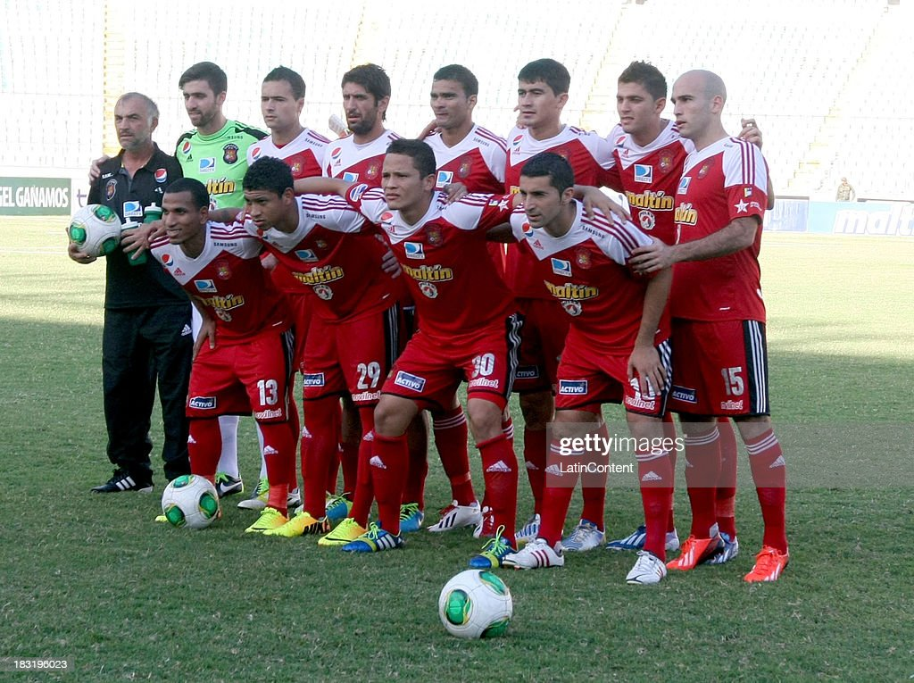 Tean of Caracas FC pose for a photo prior a match between AC Mineros de Guayana and Caracas FC as part of the Apertura 2013 at Cachamay Stadium on October 5, 2013 in Puerto Ordaz, Venezuela.