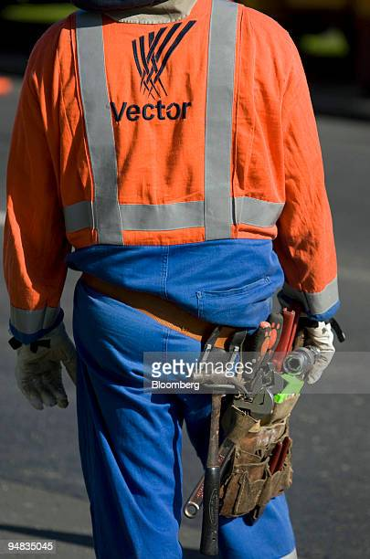 A technician works on Vector Ltd electric power lines in Auckland New Zealand on Thursday May 15 2008 Vector Ltd is an energy infrastructure company...