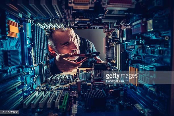Technologie im Vergleich zum Mann