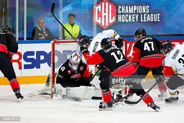 Ted Brithen of HV71 scores the tying goal 33 during the Champions Hockey League group stage game between JYP Jyvaskyla and HV71 Jonkoping on...